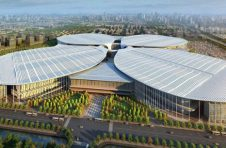 国家展览中心南广场绿化完工